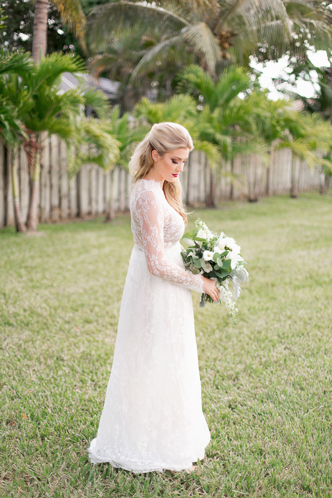 Bride, bouquet, wedding, green, lauren bates photography