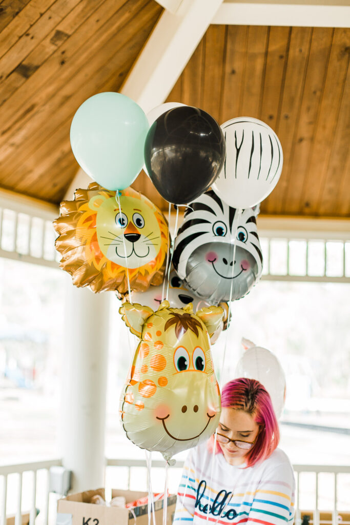 animal shaped party balloons at jungle safari party